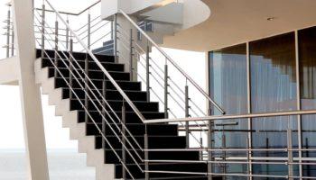 Escaleras de acero inoxidable a medida en Bilbao