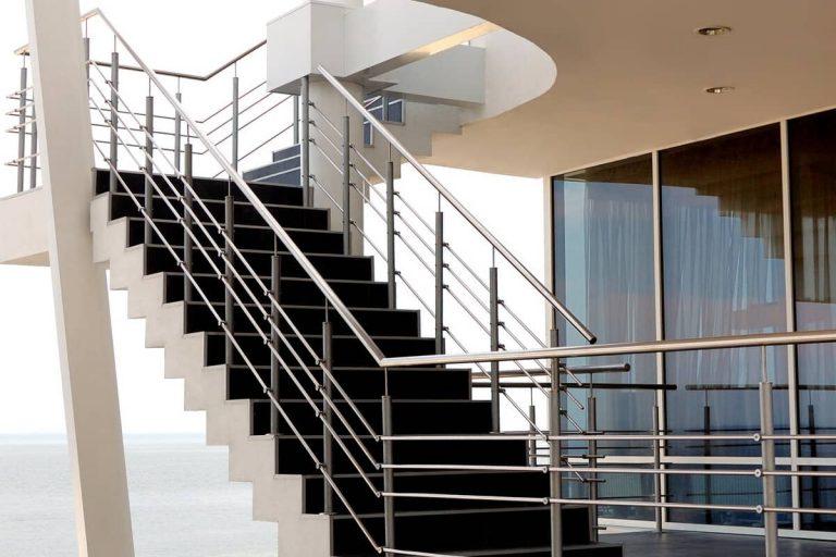 Lee más sobre el artículo Escaleras de acero inoxidable a medida en Bilbao