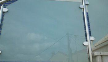 Barandilla de acero y cristal en Bizkaia